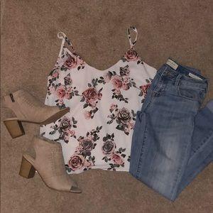 Floral top 💐